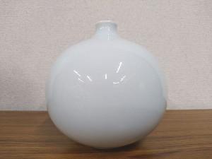 前田昭博 白磁壺2