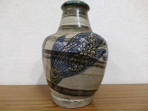 金城次郎 魚文花瓶2